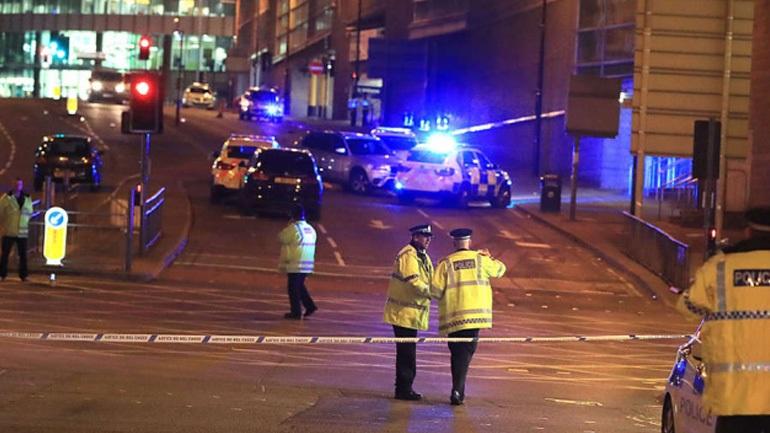 Τρεις συλλήψεις στο Μάντσεστερ για την τρομοκρατική επίθεση