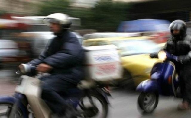 Απεργία διανομέων με μοτοπορεία