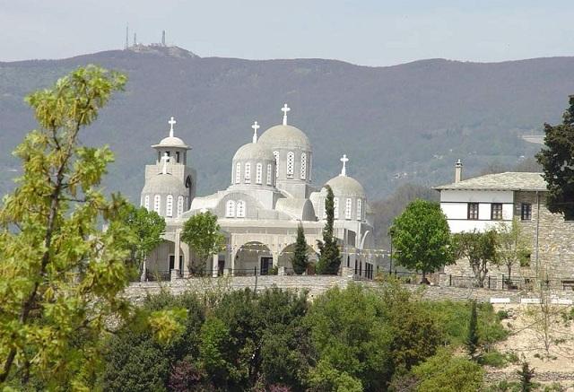 Η γιορτή της Παναγίας Παραμυθίας στη Μονή Ταξιαρχών