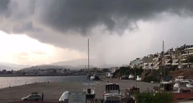 Κρήτη: Ανεμοστρόβιλος «σάρωσε» τη Σητεία
