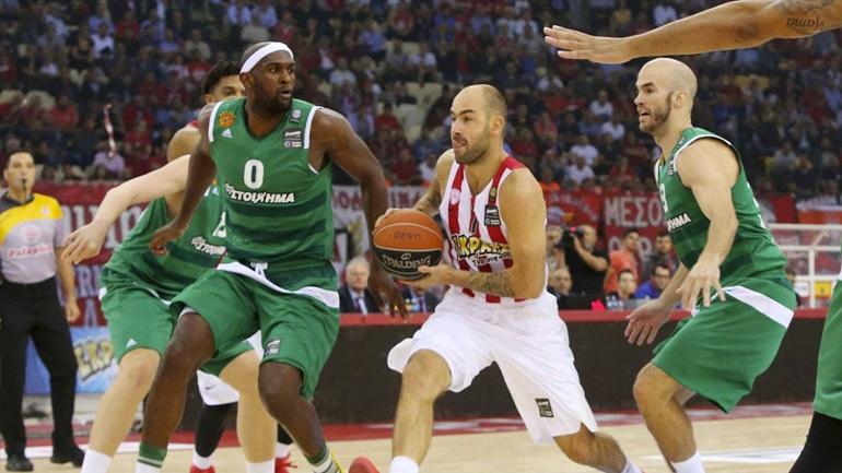 Πρώτη νίκη ο Ολυμπιακός, 63-58 τον Παναθηναϊκό