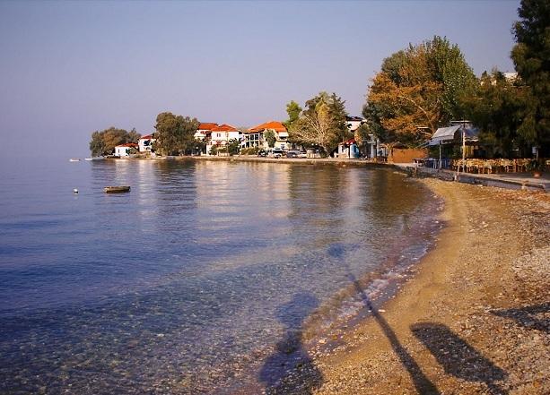 Τουρίστας πέθανε στην παραλία στα Καλά Νερά
