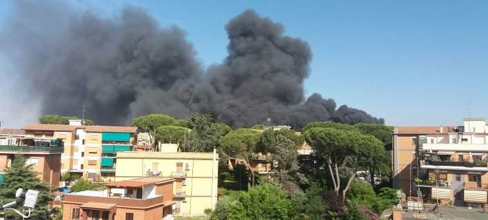 Μεγάλη φωτιά στη Ρώμη, πυκνοί καπνοί πάνω από το Βατικανό