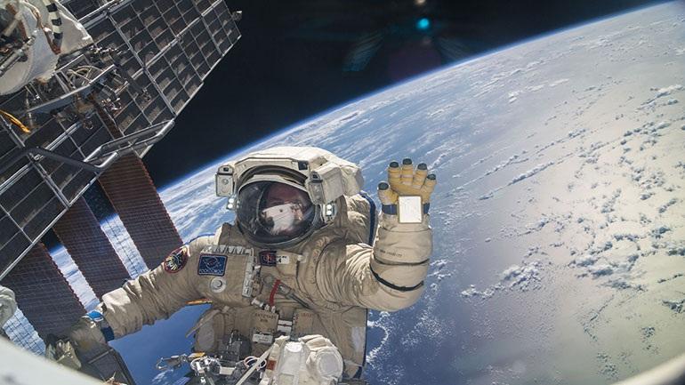 Επέστρεψαν επιτυχώς στη Γη από τον Διεθνή Διαστημικό Σταθμό δύο αστροναύτες