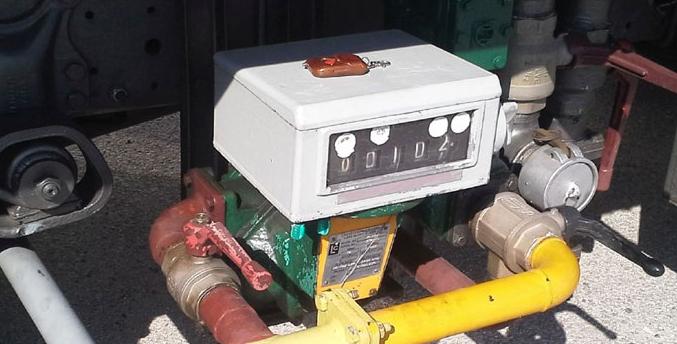 Ιδιοκτήτης βυτιοφόρων έκλεβε πετρέλαιο στη Μαρίνα Φλοίσβου