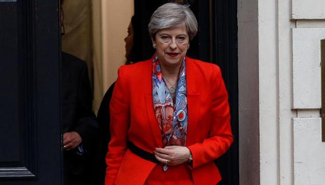 Σχηματίζει κυβέρνηση η Μέι. Συμφώνησε με τους Ιρλανδούς