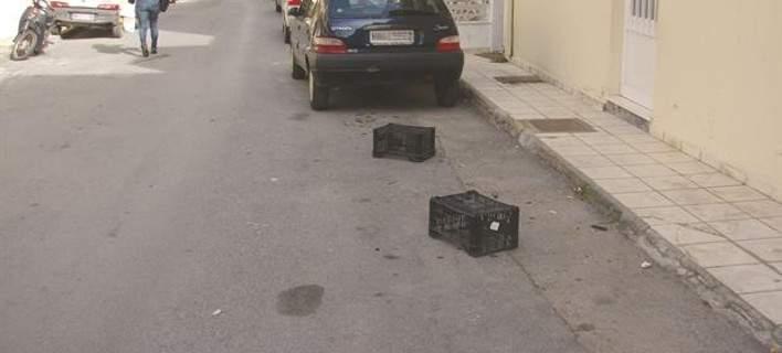 Πρόστιμα 400 ευρώ για σκαμπό, καρέκλες σε θέσεις πάρκινγκ