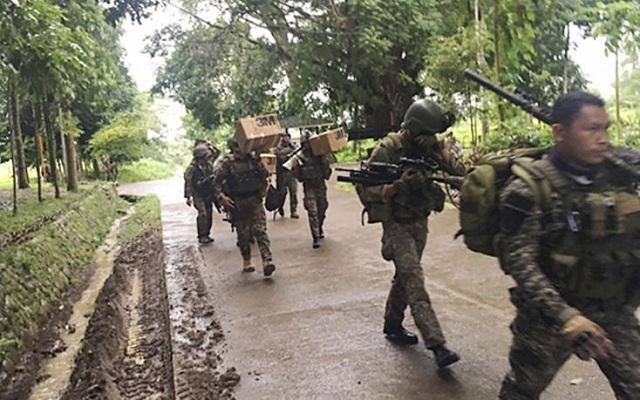 Ο Τραμπ στέλνει στρατό στις Φιλιππίνες
