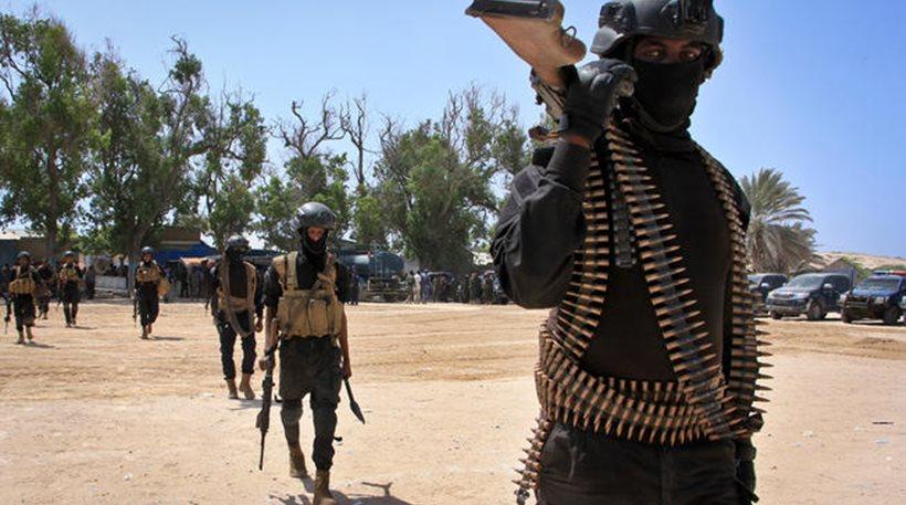 Σομαλία: Ένοπλοι σκότωσαν με βόμβα εννιά άτομα και κρατούν ομήρους σε εστιατόριο