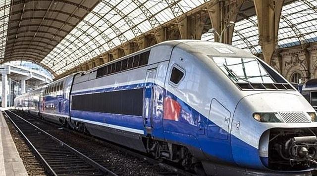 Σύζυγος δολοφόνησε σύζυγο δένοντας την στις γραμμές τρένου που έτρεχε με 320χλμ/ώρα