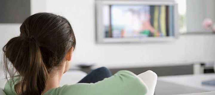 Πώς η τηλεόραση γερνά τον εγκέφαλο μας;