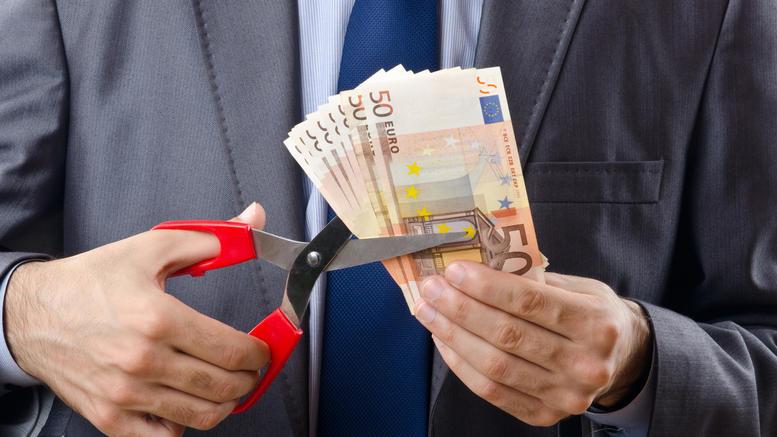«Ψαλίδι» έως 23% για 500.000 συνταξιούχους του Δημοσίου