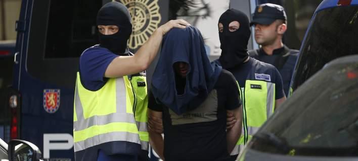 Ισπανία: 3 συλλήψεις για σύνδεση με το ISIS. Είχαν και εγχειρίδιο για καμικάζι βομβιστές