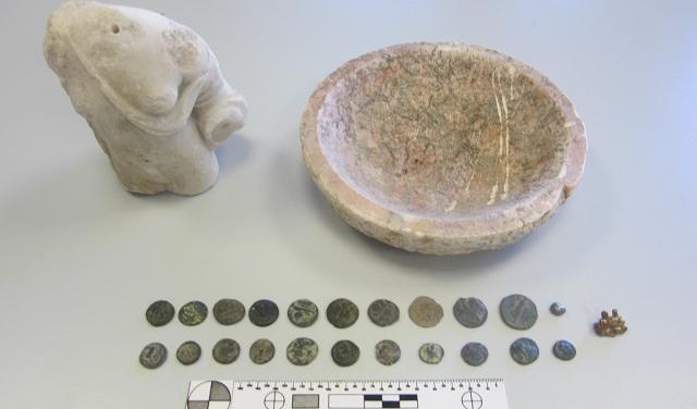 Χειροπέδες σε 44χρονο αρχαιοκάπηλο