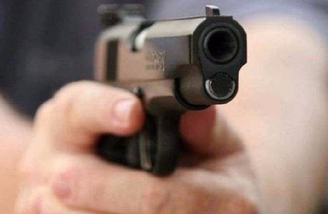 Πυροβόλησε στον αέρα για να εκφοβίσει γείτονές του
