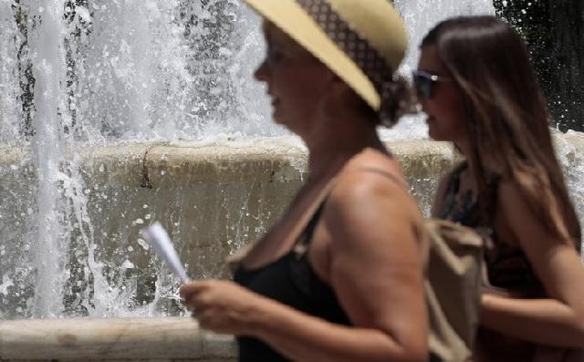 Φθάνει στην Ελλάδα ο καύσωνας που γονάτισε την Ευρώπη