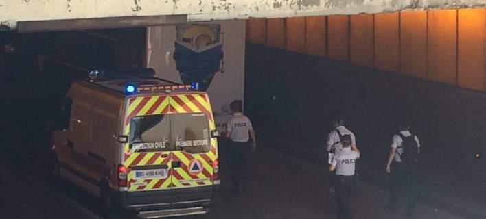 Παρίσι: Διπλό τουριστικό λεωφορείο «κόλλησε» κάτω από γέφυρα- 4 τραυματίες, ένας σε κρίσιμη κατάσταση