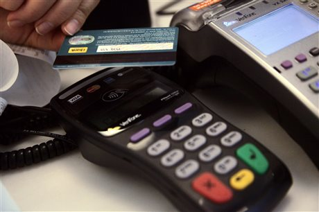 Προσφυγή στο ΣτΕ από ΓΣΕΒΕΕ και ΔΣΑ κατά των πληρωμών μέσω POS
