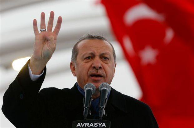 Λιποθύμησε ο Ερντογάν μέσα σε τζαμί -Αδιαθεσία λόγω του Ραμαζανιού