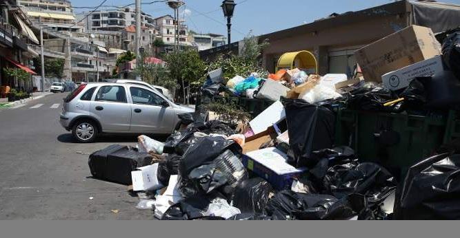 ΠΟΕ-ΟΤΑ: Αφήνετε 10.000 συμβασιούχους στον δρόμο. Ο Σκουρλέτης απορρίπτει τη νέα τους πρόταση