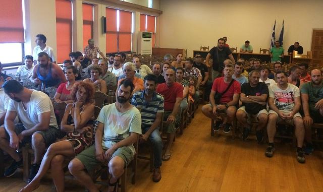 Κατά πλειοψηφία το ψήφισμα συμπαράστασης στους συμβασιούχους του Δήμου Βόλου