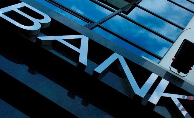 Οι τράπεζες δείχνουν τα... δόντια τους σε στρατηγικούς κακοπληρωτές