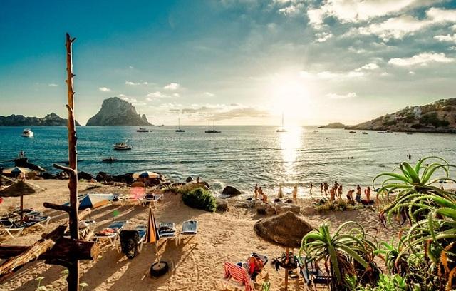 Σε ιστορικά υψηλά η θερμοκρασία στη θάλασσα της Ισπανίας