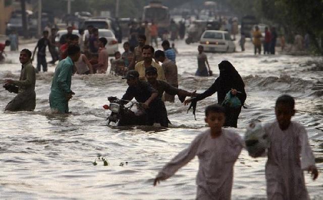 Τουλάχιστον 11 νεκροί από πλημμύρες στο Πακιστάν