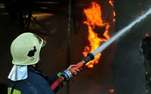 Μεγάλες υλικές ζημιές από φωτιά σε μονοκατοικία στους Αγίους Αναργύρους Λάρισας