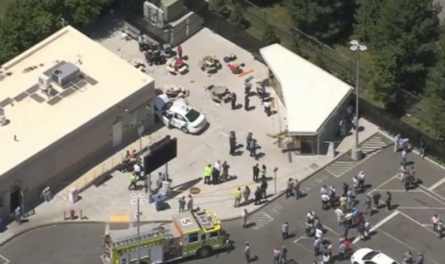 Αυτοκίνητο έπεσε πάνω σε πεζούς στη Βοστώνη. 10 τραυματίες