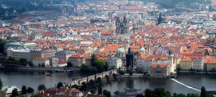 To success story της Τσεχίας. Μηδενική σχεδόν η ανεργία, αναζητά συνεχώς νέους εργαζομένους