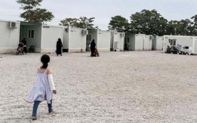 Φωτιά στον προσφυγικό καταυλισμό του Κουτσόχερου. Κάηκαν 3 κοντέινερ