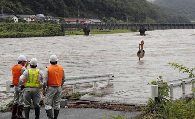Καταρρακτώδεις βροχές στη νοτιοδυτική Ιαπωνία