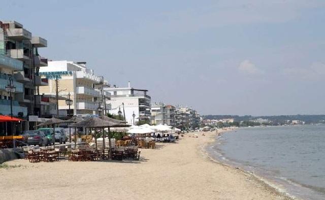 Το φυτοπλαγκτόν έδιωξε τους τουρίστες από τις παραλίες του δήμου Θερμαϊκού