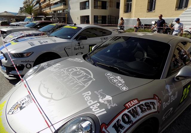 Πολυτελή αγωνιστικά αυτοκίνητα στην παραλία του Βόλου [photos]