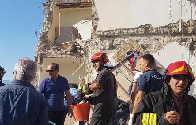 Κατέρρευσε τετραώροφο κτήριο στη Νάπολη. Οκτώ αγνοούμενοι