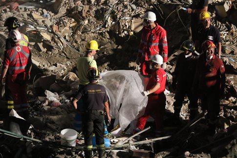 Ιταλία: Τρίτος νεκρός από την κατάρρευση κτιρίου στη Νάπολη