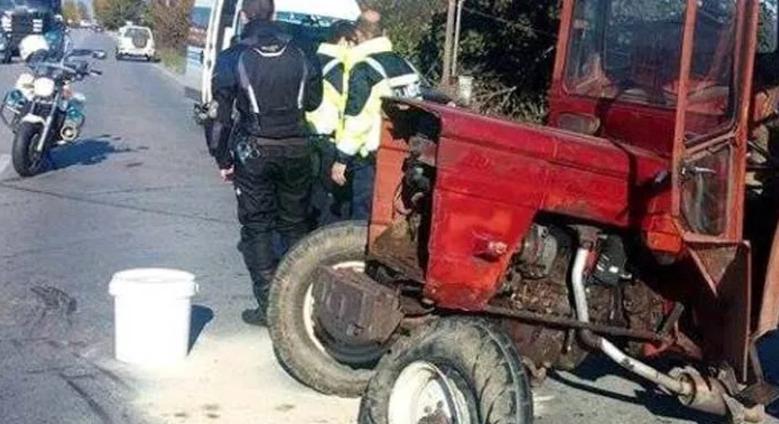 Τρακτέρ συγκρούστηκε με ΙΧ στην παλιά εθνική οδό Λάρισας – Βόλου