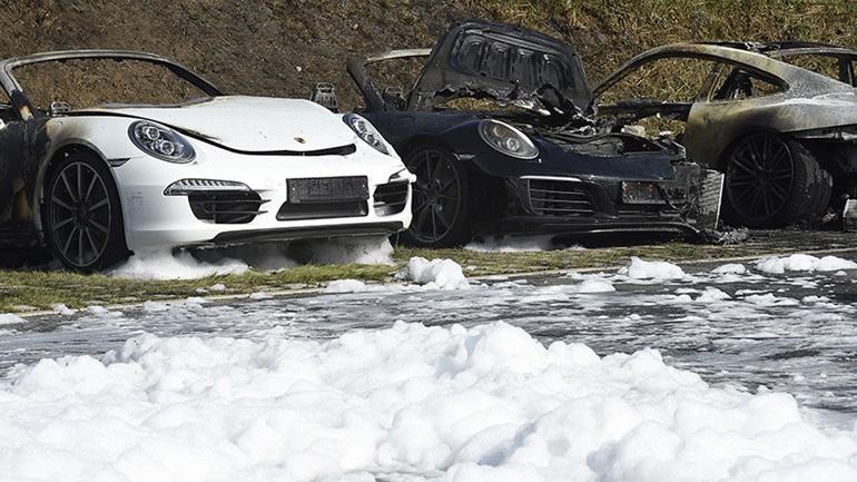 Έκαψαν όλες τις Porsche!