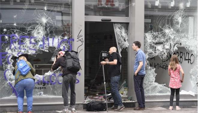 Εικόνες πρωτοφανούς καταστροφής στο Αμβούργο της G20