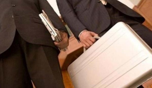 Ρέθυμνο: Επίθεση σε ελεγκτές μέσα σε ταβέρνα - [vid]