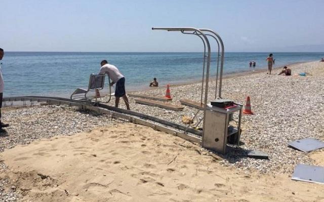 Στόχος βανδάλων το Seatrack στην παραλία του Αναύρου