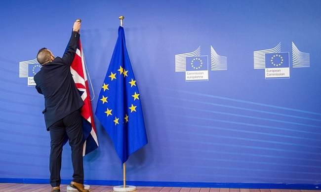 Η Βρετανία έδωσε στη δημοσιότητα το σχέδιο νόμου για τη διακοπή των σχέσεων με την ΕΕ