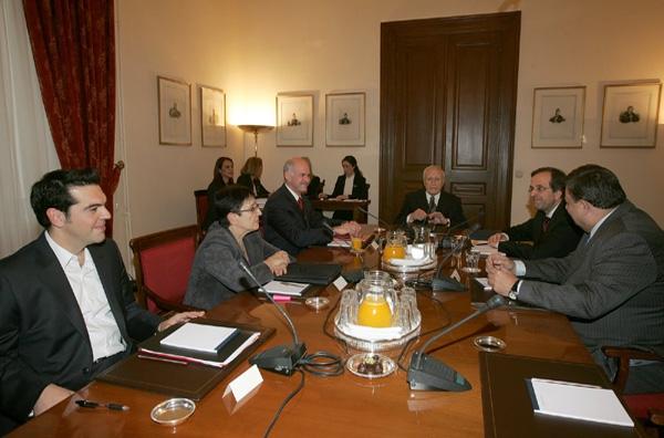 Σύσκεψη αρχηγών σε κλίμα πιέσεων