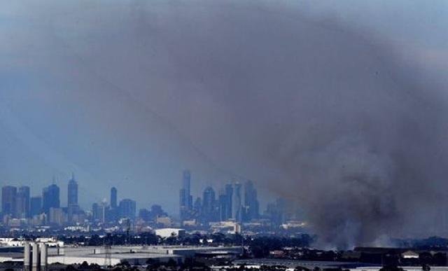 Μεγάλη φωτιά στην Αυστραλία: Εκκενώθηκαν περιοχές με χιλιάδες κατοίκους στη Μελβούρνη