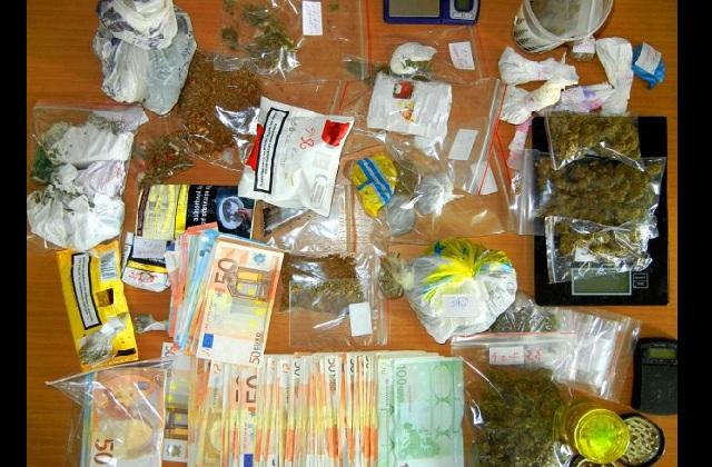 Στα χέρια της Ασφάλειας μεγάλο κύκλωμα ναρκωτικών με πλούσια δράση στην Κ. Ελλάδα