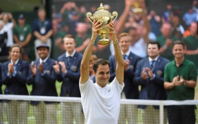 Ο «βασιλιάς» Φέντερερ έγραψε ιστορία στο Wimbledon