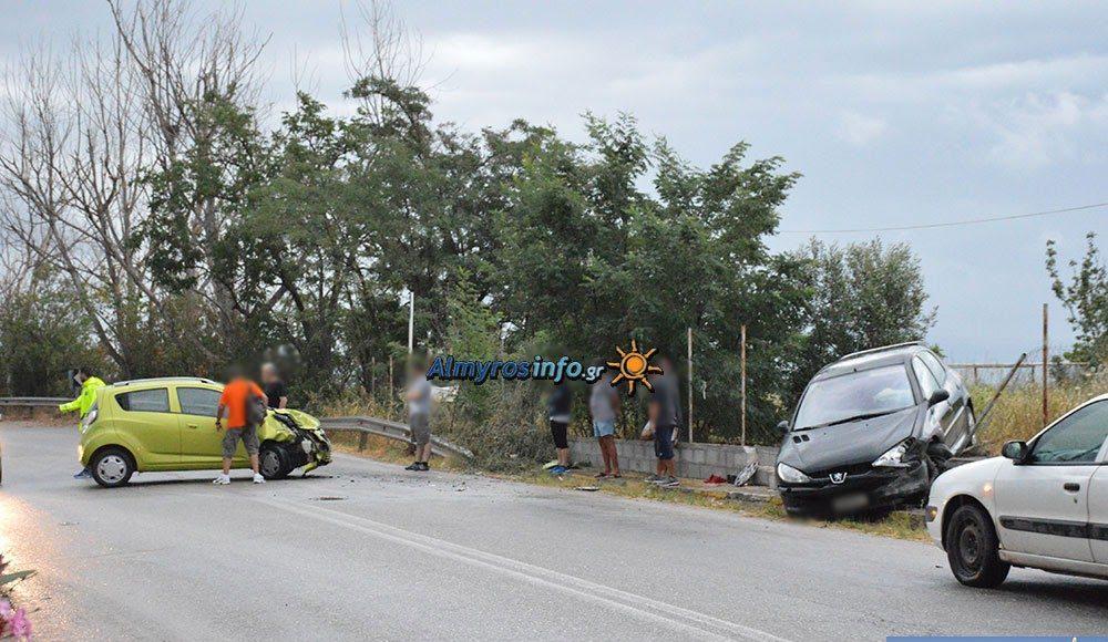 Πλαγιομετωπική σύγκρουση οχημάτων στην επαρχιακή οδό Αλμυρού- Βόλου