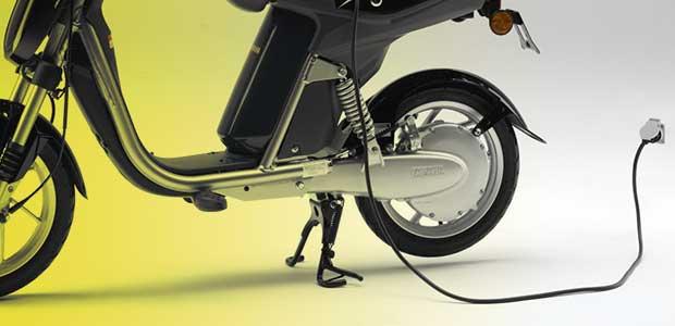 Παράνομη κίνηση ηλεκτρικών scooter με πηδάλια στον Βόλο