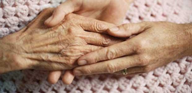 Μοναχικοί ηλικιωμένοι με προβλήματα υγείας πεθαίνουν μόνοι στο νοσοκομείο